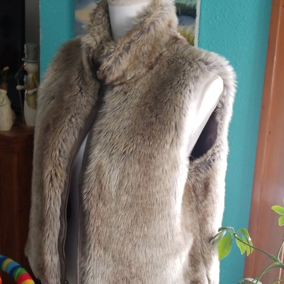 Elle Jackets & Blazers - Faux fur vest